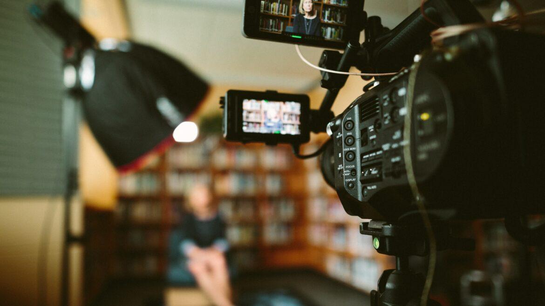 Waarom investeren in een goede bedrijfsfilm de moeite waard is