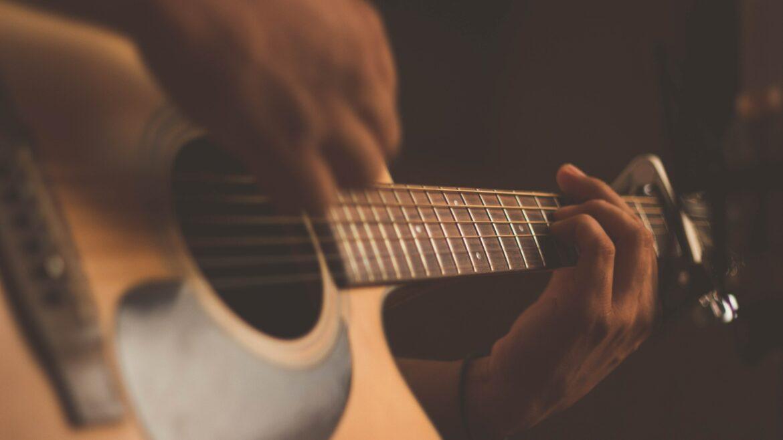 De rol van muziek in video en advertenties